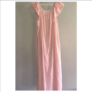 Vintage pink lightweight long nightgown size L/XL